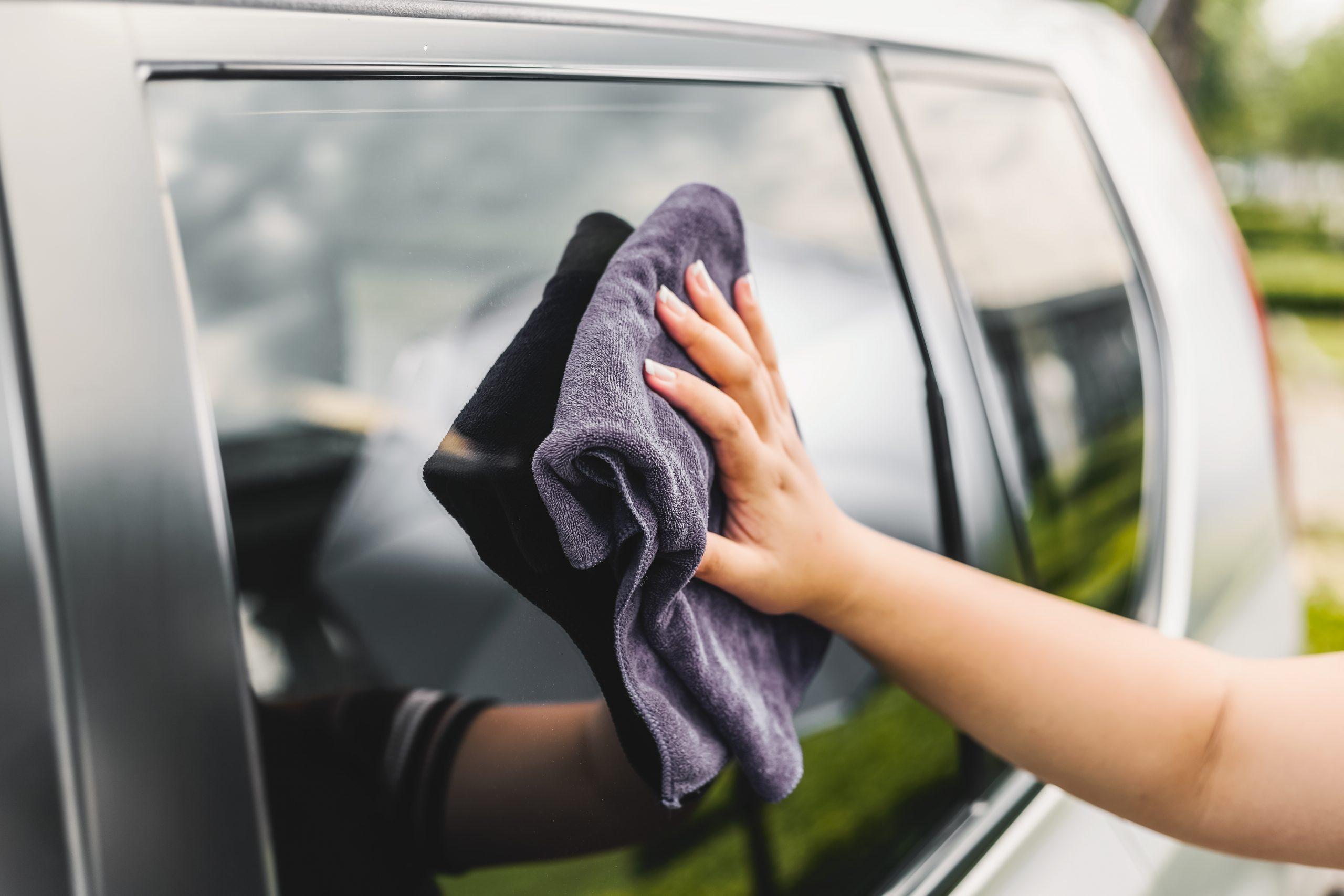 آبگریزی شیشه خودرو